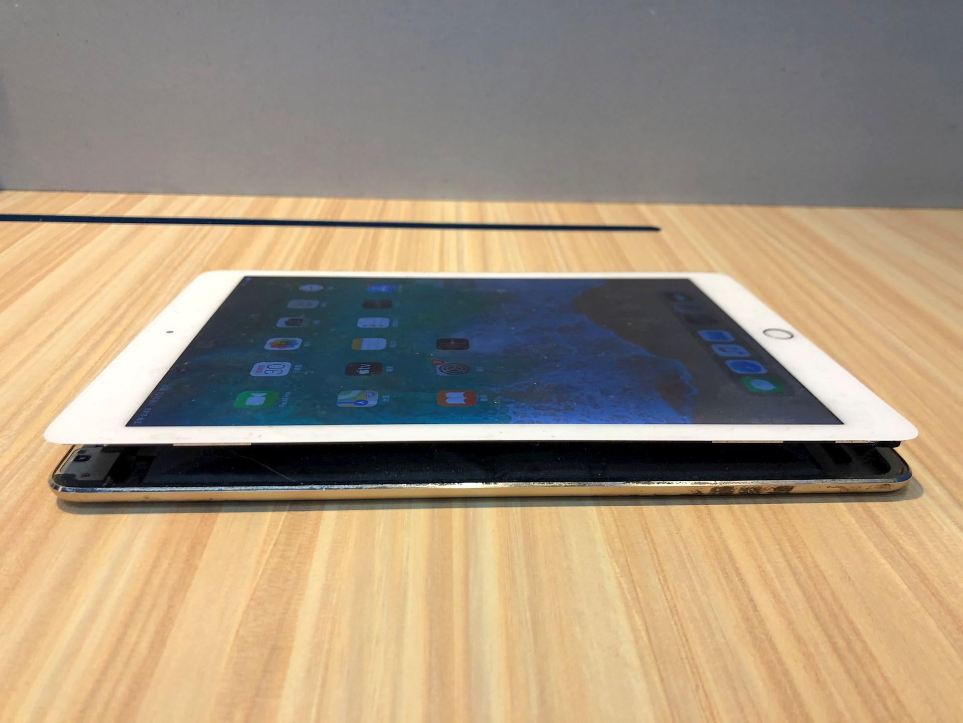 iPad電池膨脹
